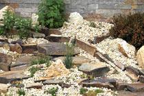 Kameň v záhradnej architektúre