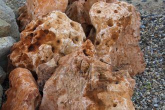 Aris Vápenec- kusový kameň